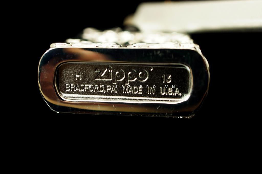 bật lửa zippo chính hãng sang trọng đính ngọc họa tiết hoa văn tinh xảo