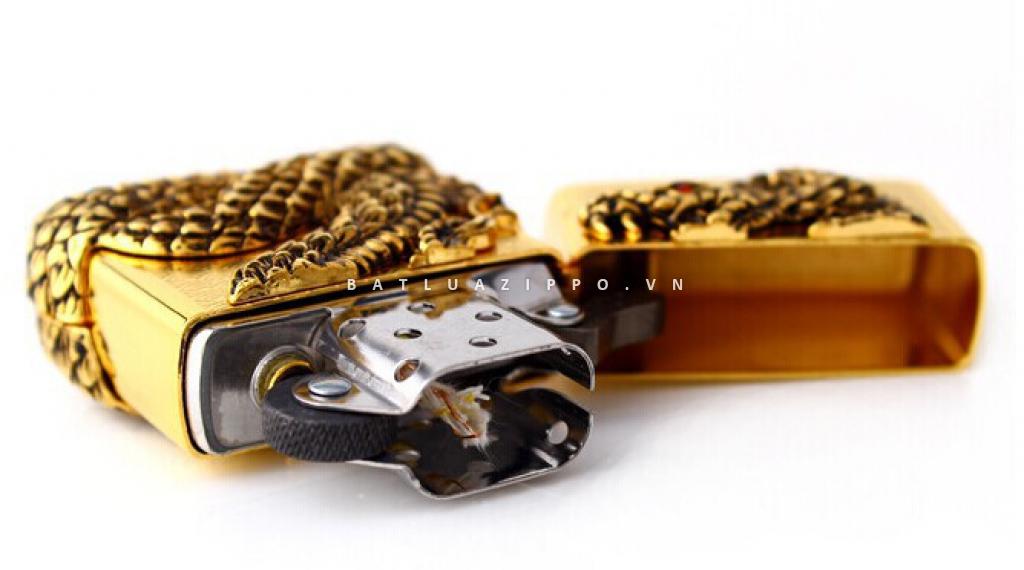 Bật lửa Zippo vàng bao phủ Thanh xà quấn quanh