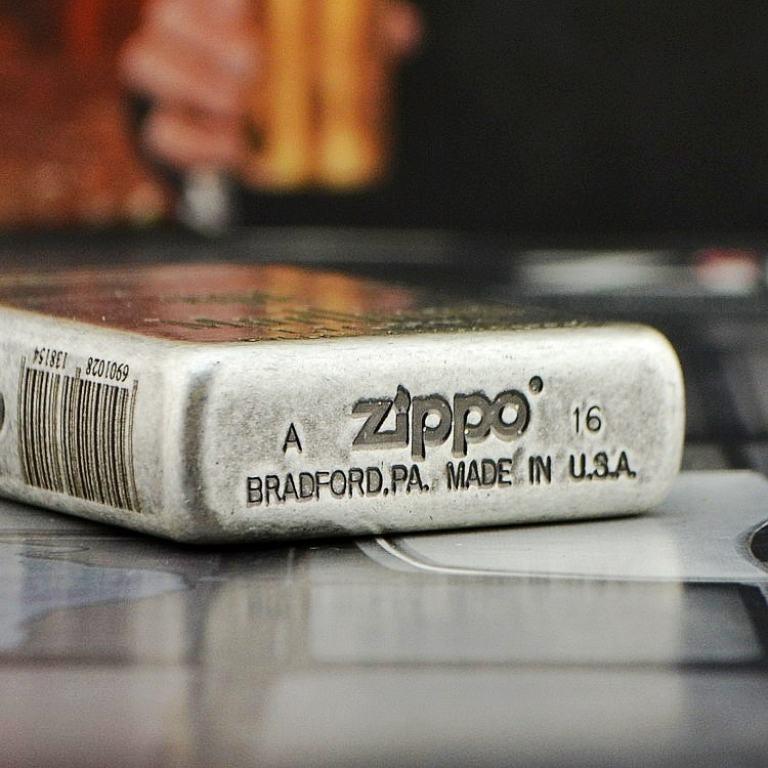 Bật lửa Zippo cổ bạc phiên bản Marlboro Light