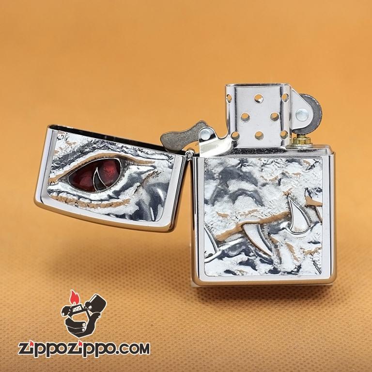 Zippo Chính Hãng Bạc Vỏ Đúc Hình Mắt Và Nanh Cá Sấu Giới Hạn 1000 Mẫu