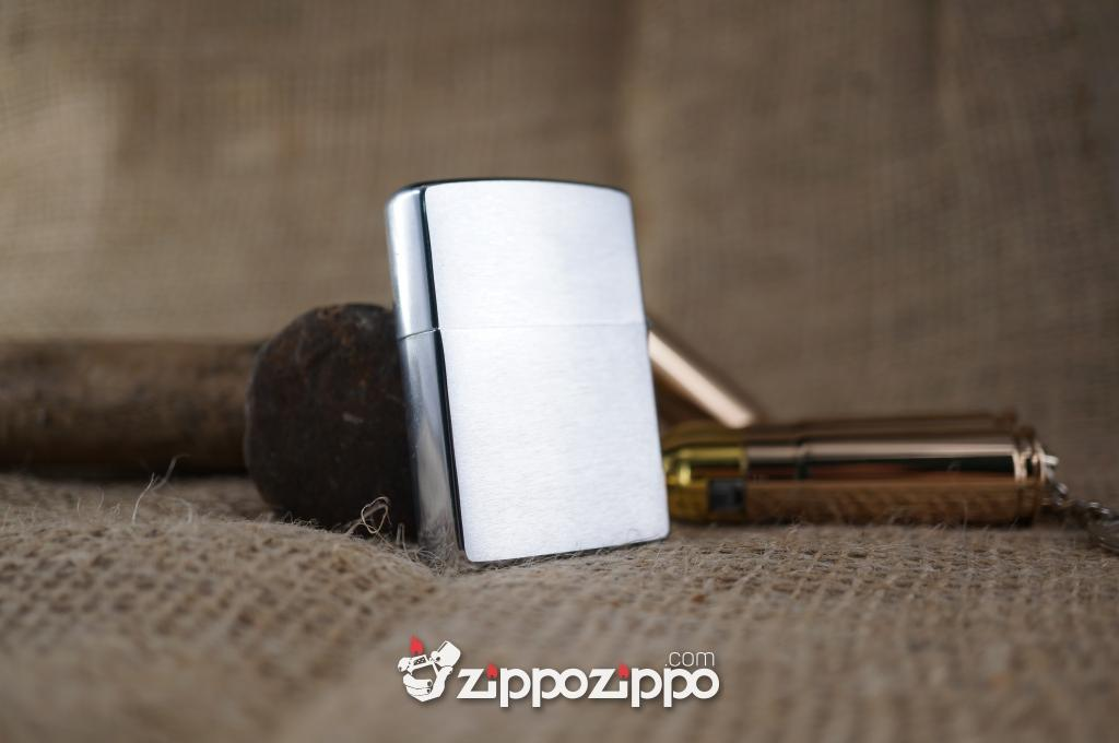 zippo bạc La Mã Đít Bằng