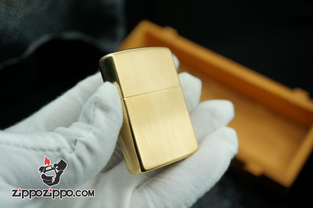 Bật lửa Zippo Cổ hoa văn kẻ mạ vàng sản xuất năm V - 1989
