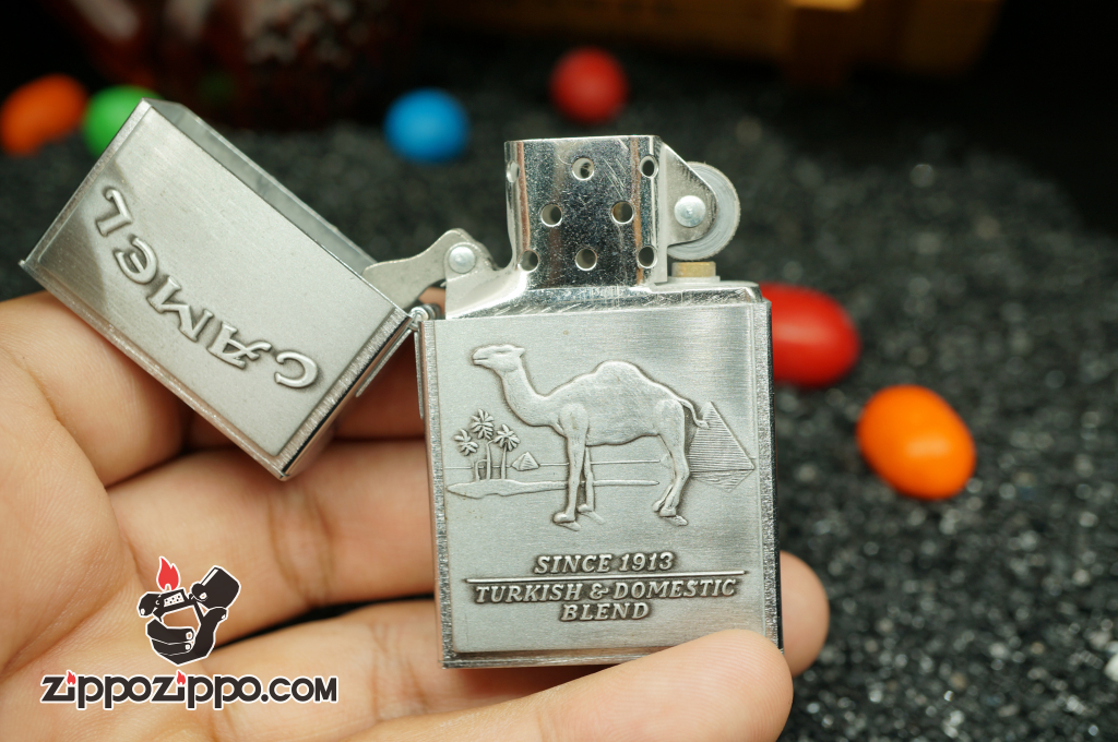 Bật lửa zippo Cổ replica 1932 khắc camel màu bạc Sản Xuất Năm 1997