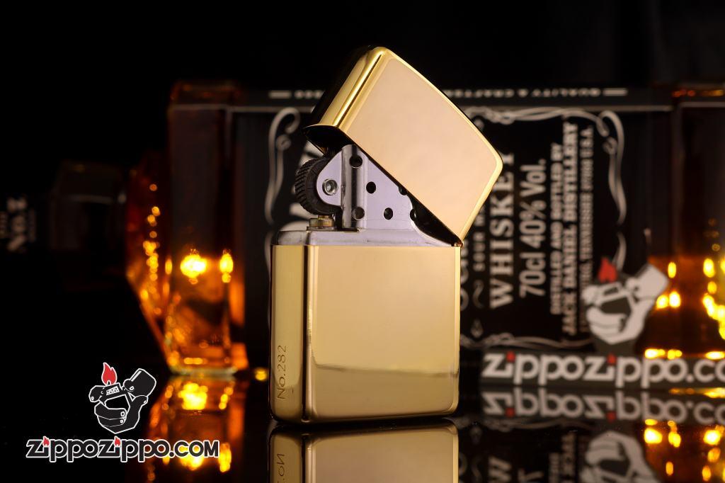 Zippo chính hãng mạ vàng gắn đá các số may mắn