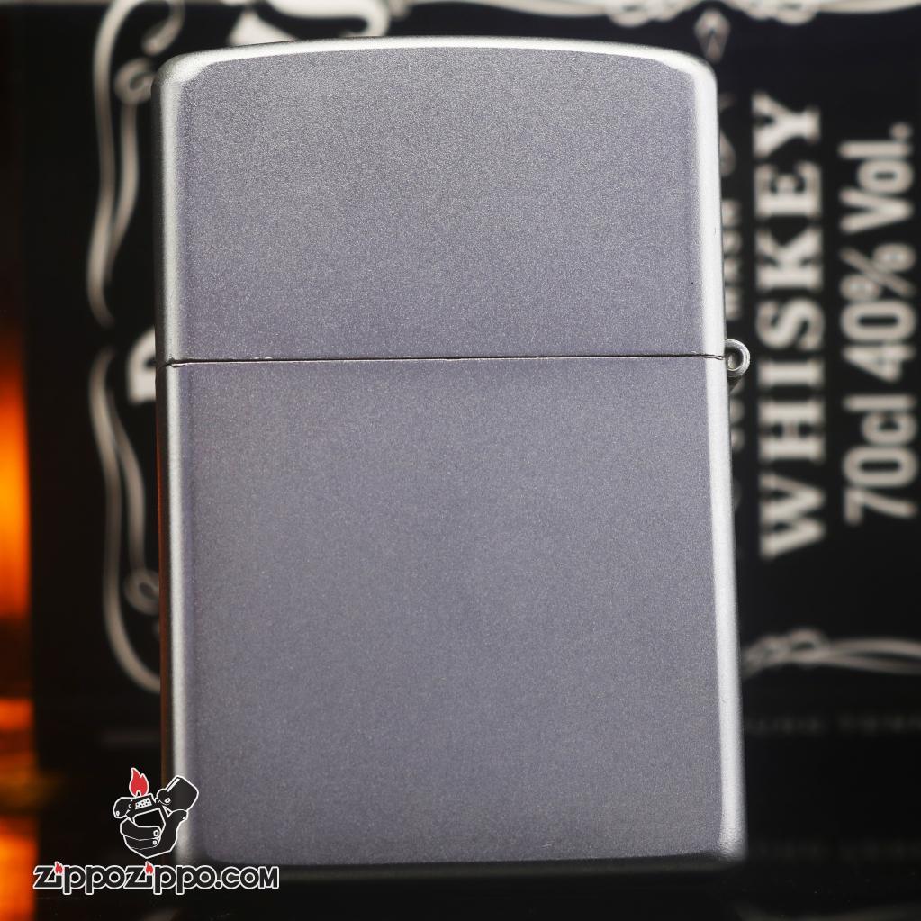 Zippo đời la mã sản xuất 2000 màu bạc in hình