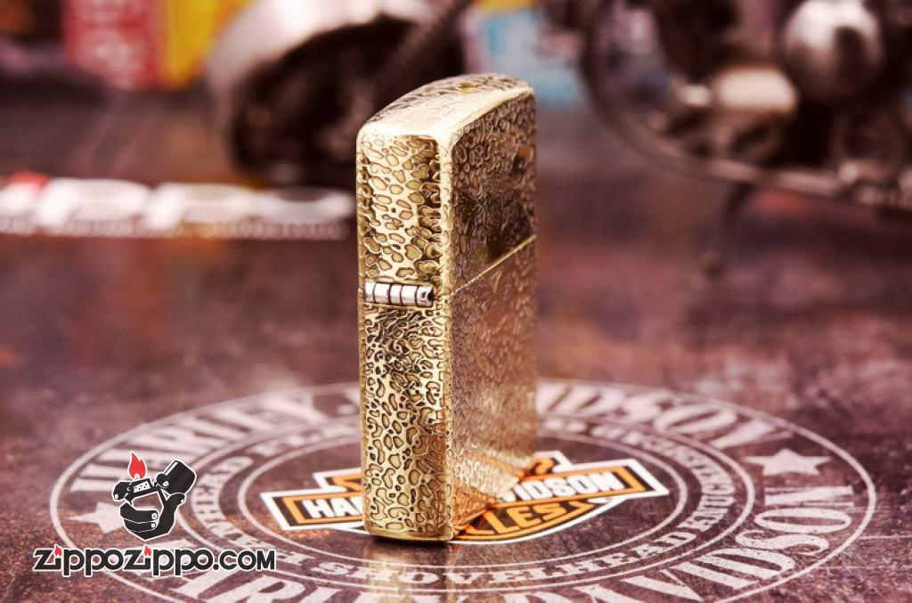 Bật lửa Zippo đồng khối khắc báo đốm