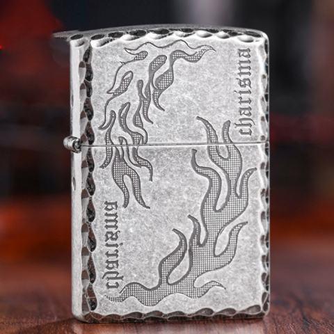 Bật lửa Zippo bạc cổ trạm khắc hoa văn ngọn lửa