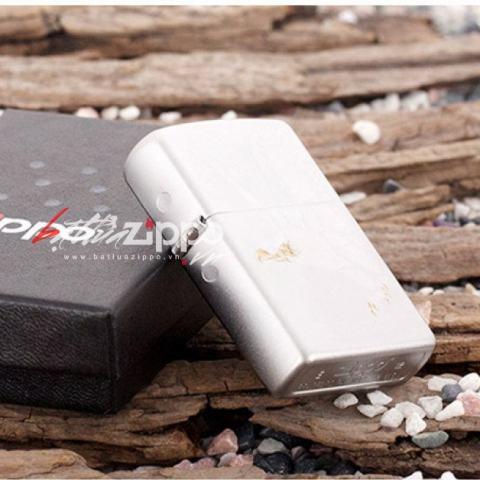 Bật lửa Zippo chính hãng 28356 trắng bạc khắc đại bàng