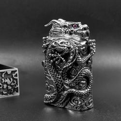 Bật lửa Zippo chính hãng bằng bạc nguyên chất nguyên một con rồng  quấn quanh bật lửa tinh xảo - Mã SP: ZPC0006