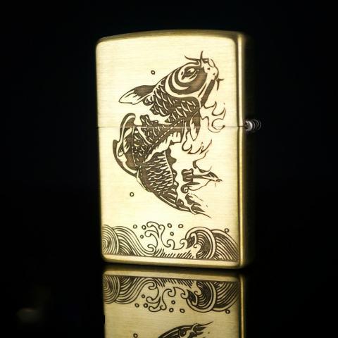 Bật lửa zippo đồng khắc hình cá chép vượt vũ môn