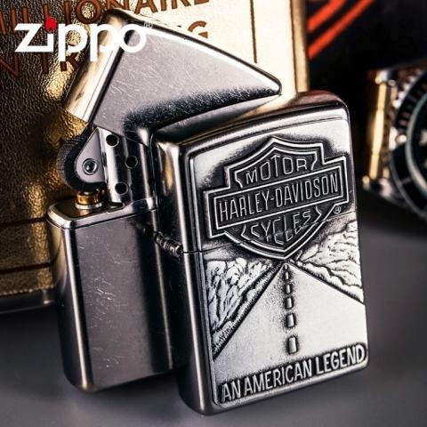 Zippo Chính Hãng Bạc Gắn Huy Hiệu Xa Lộ Harley Davidson