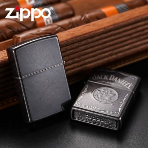 Zippo Chính Hãng Màu Xám Hình Rượu Vang Jack Daniel