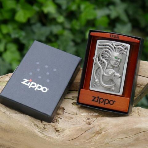 Zippo Chính Hãng Phiên Bản Châu Âu Vỏ Đúc Hình Medusa