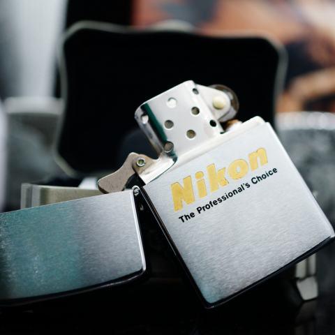 Zippo Cổ bạc xước in chữ Nikon năm 1978