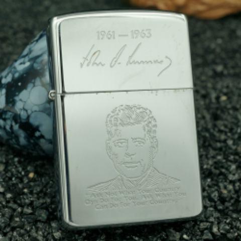 Zippo cổ khắc hình tổng thống mỹ - John F. Kennedy 1961-1963 sản xuất 1990