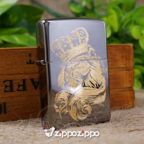 Zippo Đen Bóng Khắc Mạ Vàng Hình Sư Tử Đội Vương Miện (260)