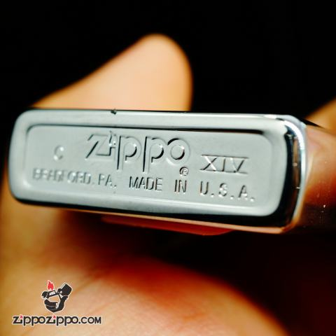 Zippo La mã bạc bóng hình tàu chiến