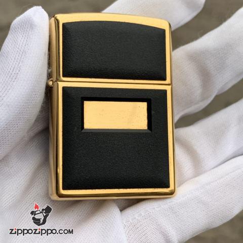 Zippo La Mã Đồng ốp nổi màu đen sản xuất 1997